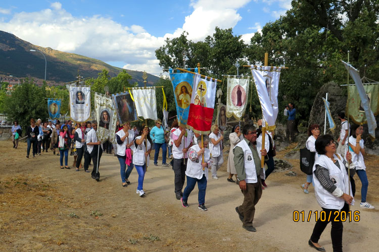 procesion de estandartes Prado Nuevo