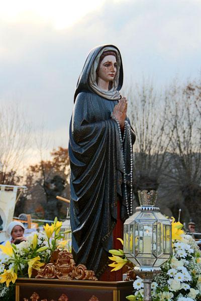 Nuestra Señora de los Dolores en procesión. Virgen de El Escorial