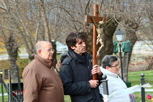 Rezando el Viacrucis en Prado Nuevo